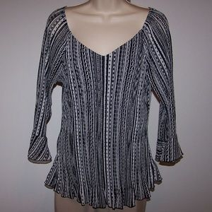 Essentials by Milano Crinkle Blouse Medium